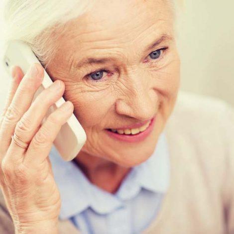 Kommunikation mit einem Seniorentelefon