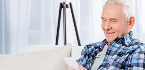 Hilfsmittel zur Kommunikation: Smartphone für Senioren