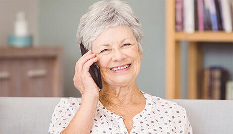 frau am telefonieren