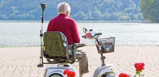Hilfsmittel zur Mobilität: Elektromobil