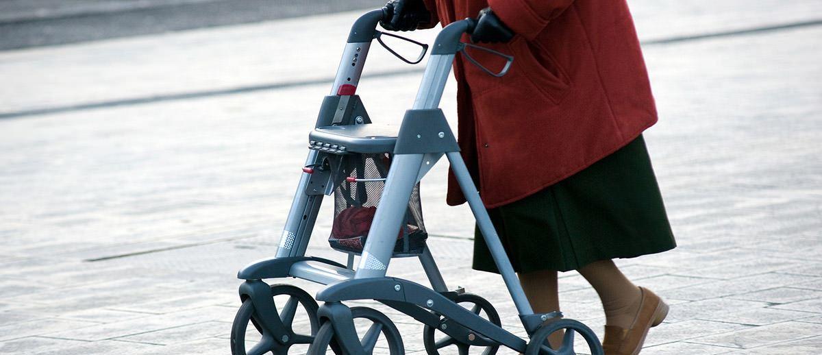 Hilfmittel für die Mobilität von Senioren